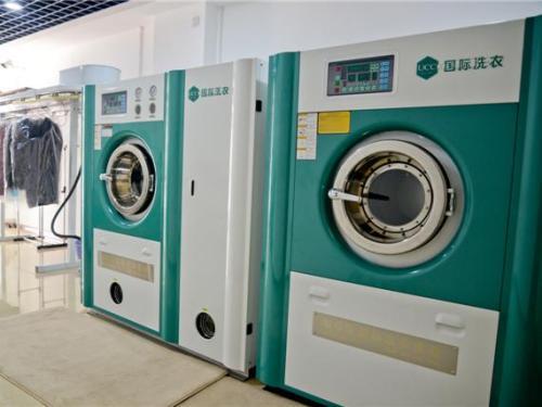 全套的干洗店的设备需要多少钱?